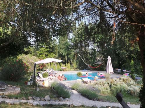 Thet Lotus Tree Gay Guesthouse - Montclus / Arles